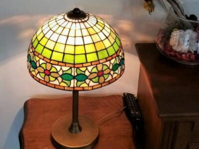 Decorative_Tiffany_Stained_Glass_Lamp-02