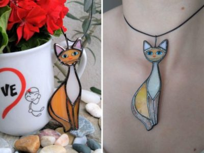 cat necklace orange united