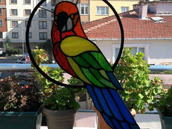 Macaw_parrot_stained_glass_suncather-1