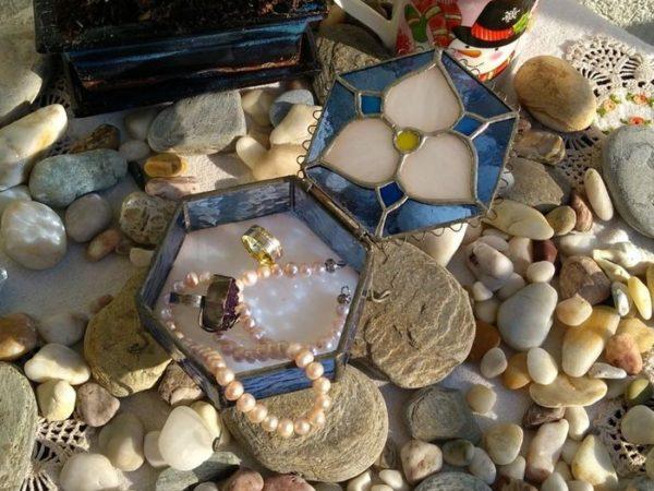 hexagon-stained-glass-jewelery-box-08