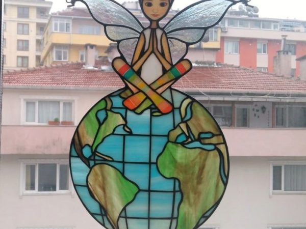 Angel-stained-glass-sun-catcher-08