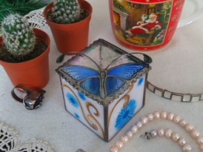 Blue_Mpnarch_Butterfly_Stained_Glass_Wedding_Ring_Box-06