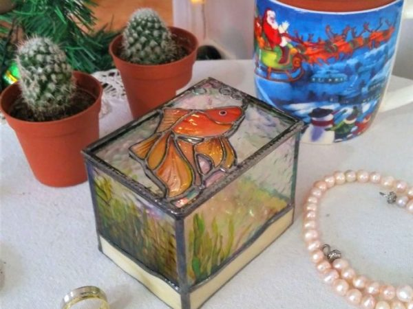 Fish_Stained_Glass_Wedding_Ring_Box-09